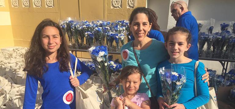 Matzah Mitzvah Volunteers and Flowers